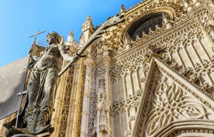 seville-alcazar-cathedral-giralda-guided-tour